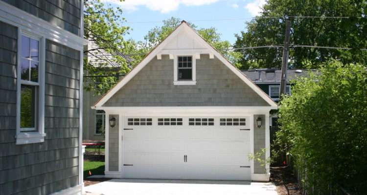 Detached Garage Breezeway