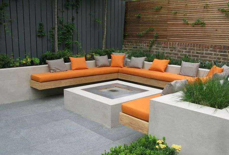 Garden Built Bench Seat Fixed Rendered Retaining Wall
